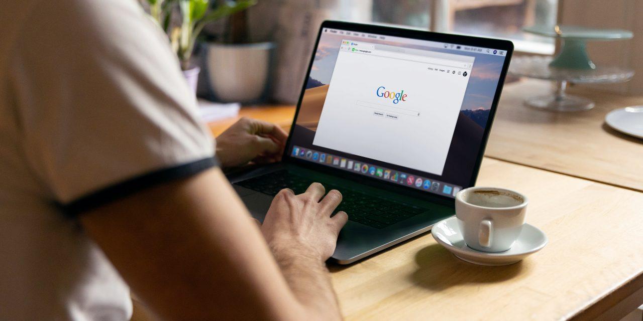 Hvad er forskellen på en IP-adresse og en URL-adresse?