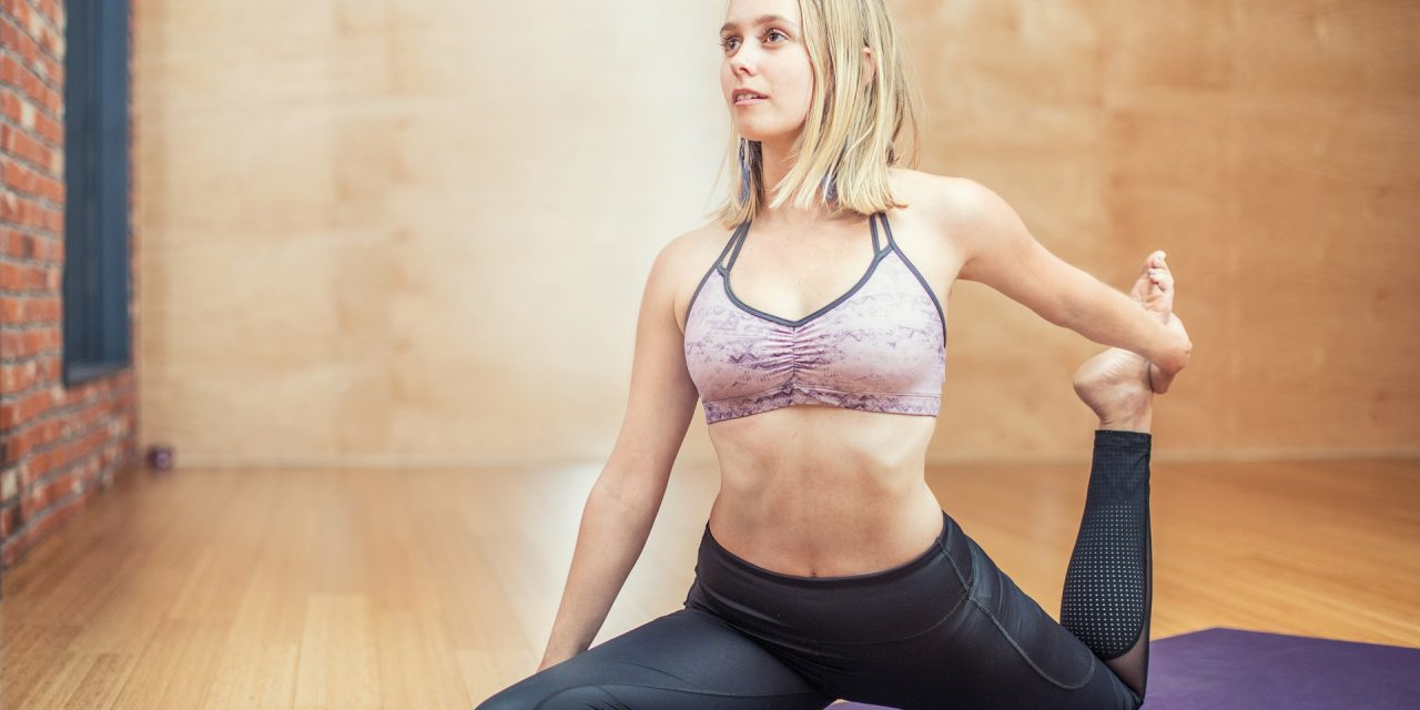 Sådan kommer du godt i gang med yoga